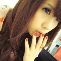 谁为谁伤感的接吻_非男生唯美放肆女生QQ头主流哭泣的女生图片