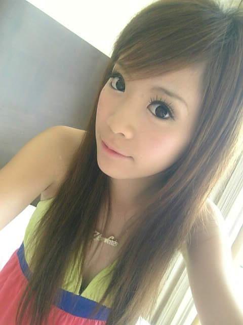 头像席卷我的女生_2011非个性泪水美女QQ空头像自拍欧美主流双眼图片