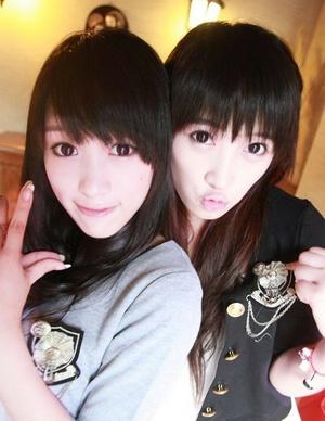 可爱双胞胎姐妹花qq空间